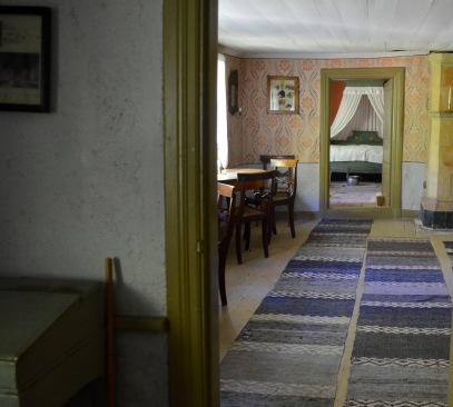 an example of a Swedish Priest's home- nice colors but I think it looks a bit different than my family's
