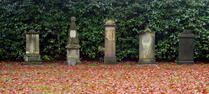 examples of old grave stone styles